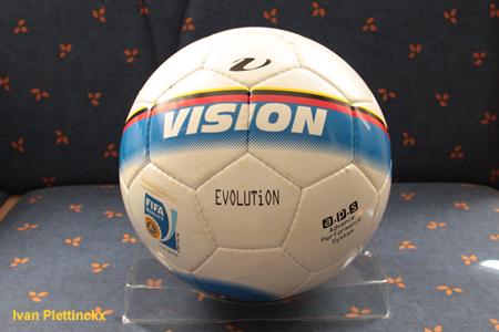 Wedstrijdbal + aftrap KSK Beveren - R. Excelsior Virton