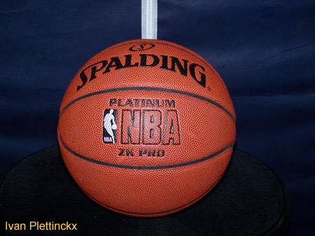 Nieuwe wedstrijdbal Basket Groot Leuven