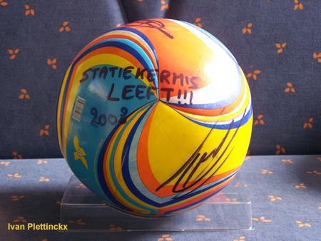 Ondertekende wedstrijdbal + aftrap Statiekermis Leeft Beernem 2008