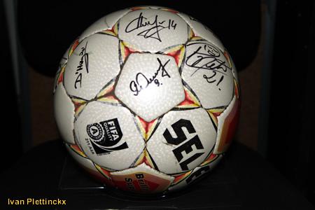 Ondertekende wedstrijdbal Cercle Brugge seizoen 2010-2011