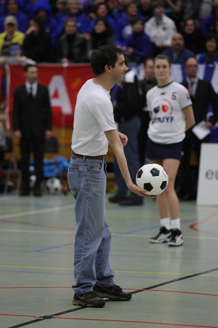 Inworp + wedstrijdbal finale Europacup korfbal - Boeckenberg vs DOS46