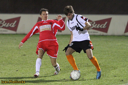 Wedstrijdbal Hoogstraten VV - KVC Willebroek-Meerhof
