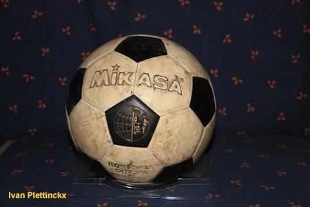 Inworp + wedstrijdbal + ondertekende wedstrijdbal kruisfinale Boeckenberg - Voorwaarts KKC