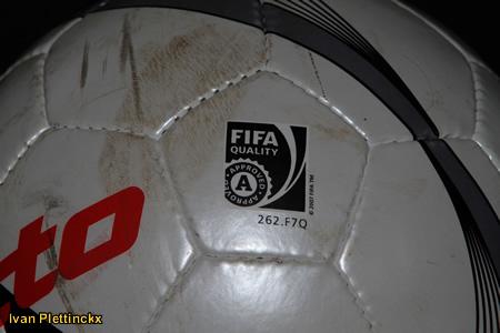 Wedstrijdbal KVC Willebroek-Meerhof - KSV Roeselare + wedstrijdbal KSV Roeselare