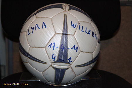 Wedstrijdbal K Lyra TSV - KVC Willebroek-Meerhof