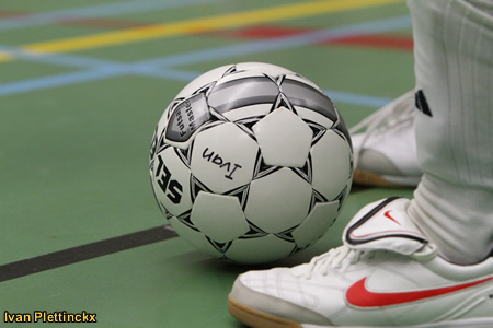 Wedstrijdbal Salaam Mechelen - Medina Bruxelles