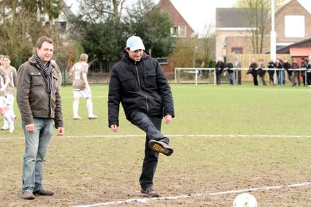 Aftrap + wedstrijdballen Sinaai Girls - Standard F. Liège