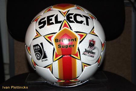 Wedstrijdbal Sporting Lokeren - seizoen 2010-2011