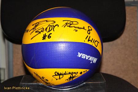 Ondertekende wedstrijdbal VBC Waremme - seizoen 2010-2011