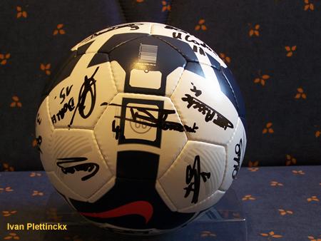 Ondertekende bal KVC Willebroek-Meerhof